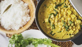 M2woman - How To Make A Quick And Easy Chickpea, Tofu And Spinach Curry