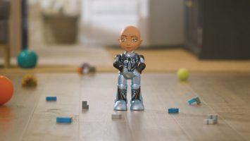 STEM-RObot-girl