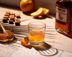 Mount Gay-Photo-MOUNT GAY - HONEY OLD FASHIONED WINTER - close-up-OS (1)